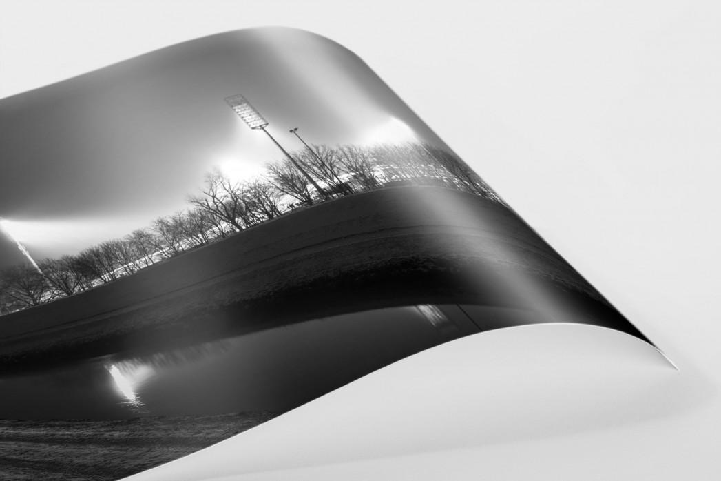 Niederrheinstadion bei Flutlicht (s/w) als FineArt-Print