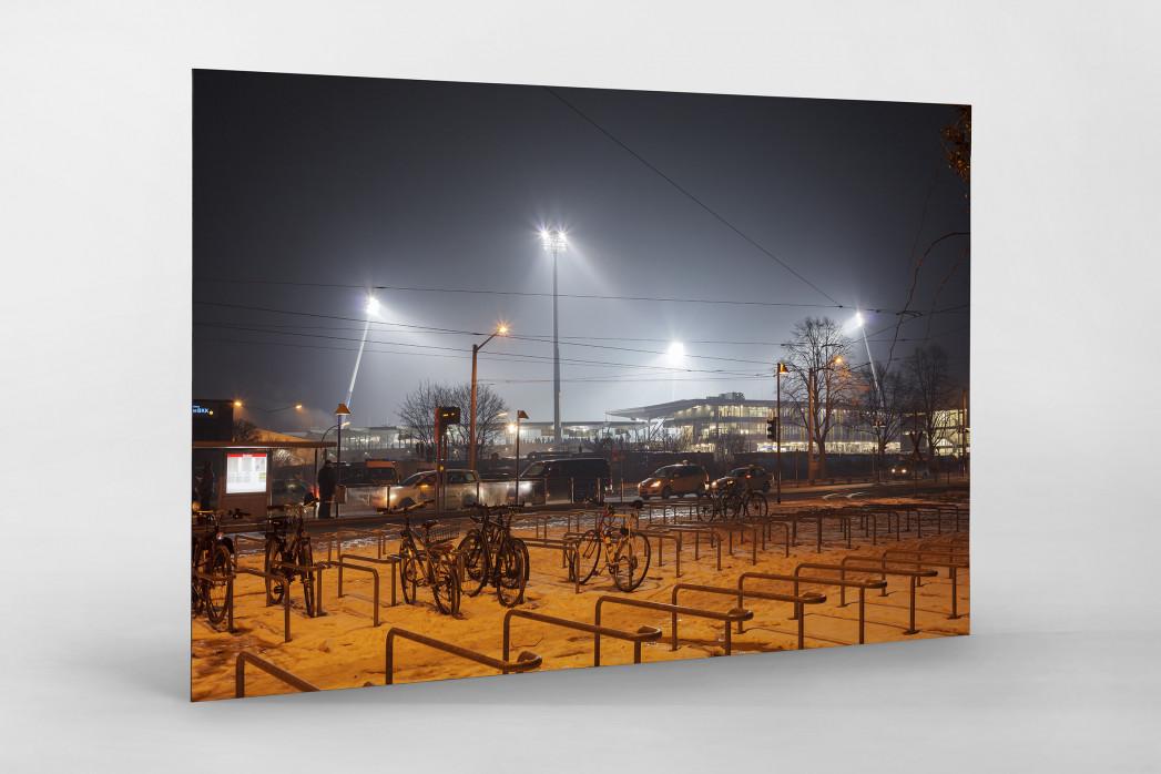 Eintracht Stadion bei Flutlicht als auf Alu-Dibond kaschierter Fotoabzug