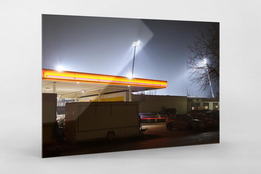 Tanke vor dem Eintracht Stadion als Direktdruck auf Alu-Dibond hinter Acrylglas