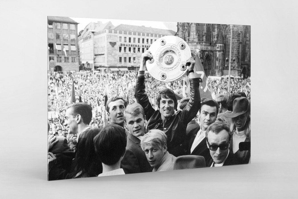 Udo Jürgens mit Meisterschale als Direktdruck auf Alu-Dibond hinter Acrylglas