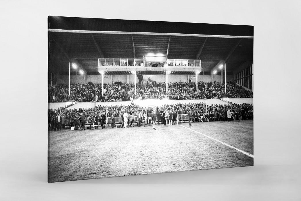 Europapokal an der Grünwalder Straße als Leinwand auf Keilrahmen gezogen