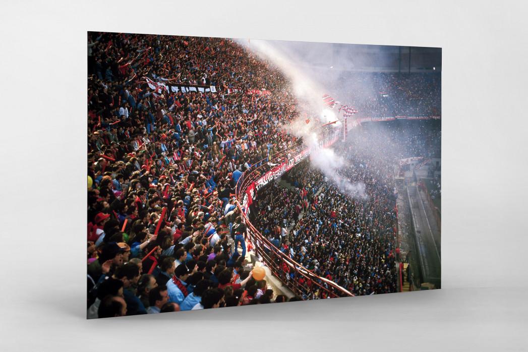 Fankurve im Giuseppe Meazza Stadion als auf Alu-Dibond kaschierter Fotoabzug