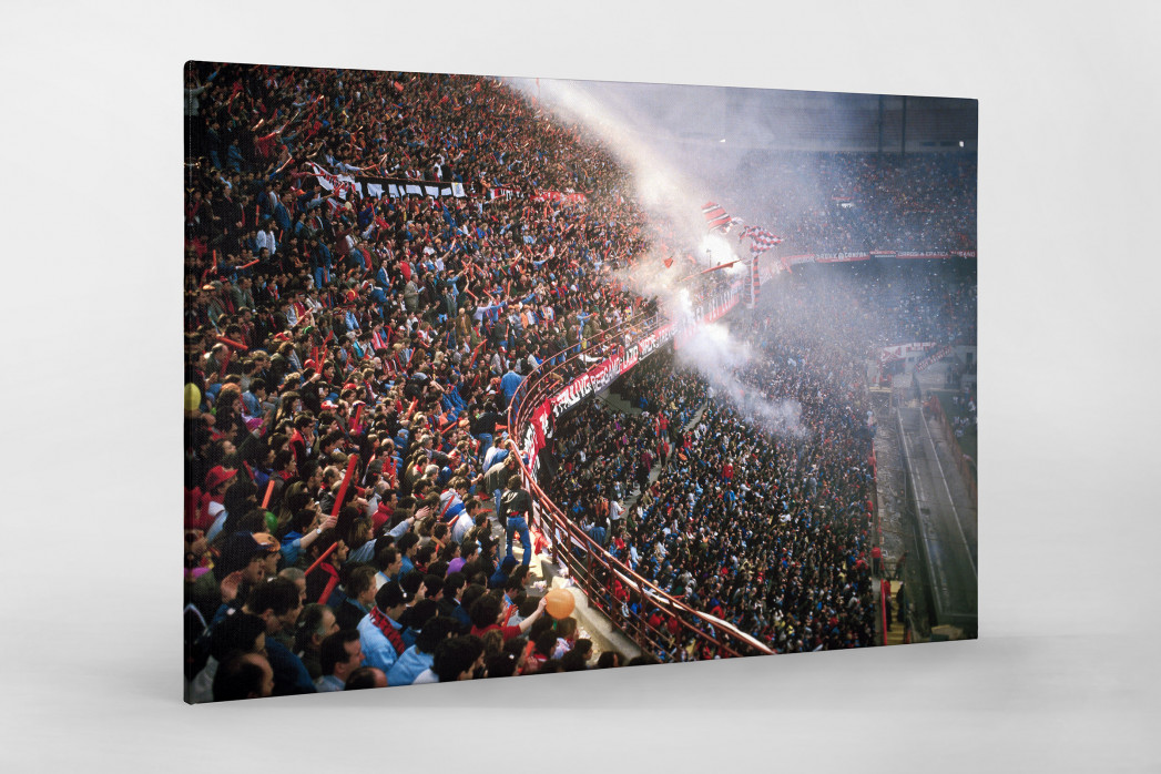 Fankurve im Giuseppe Meazza Stadion als Leinwand auf Keilrahmen gezogen