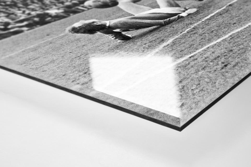 Synchron am Boden als Direktdruck auf Alu-Dibond hinter Acrylglas (Detail)