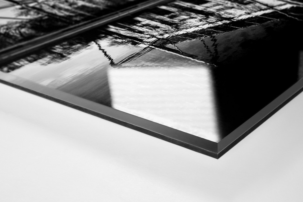 Blick auf den Signal Iduna Park (sw) als Direktdruck auf Alu-Dibond hinter Acrylglas (Detail)