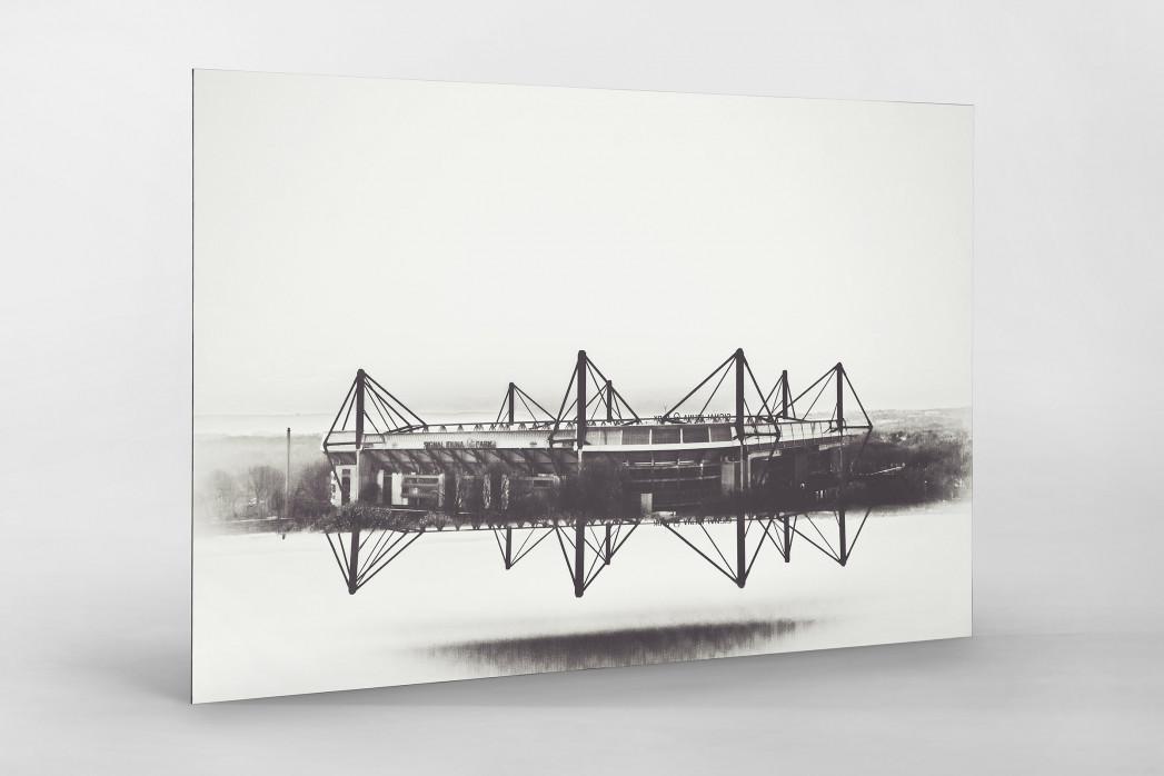 Es spiegelt sich der Signal Iduna Park als auf Alu-Dibond kaschierter Fotoabzug