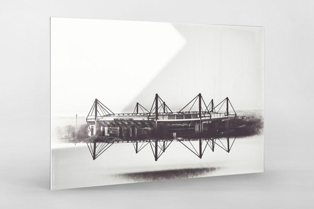 Es spiegelt sich der Signal Iduna Park als Direktdruck auf Alu-Dibond hinter Acrylglas