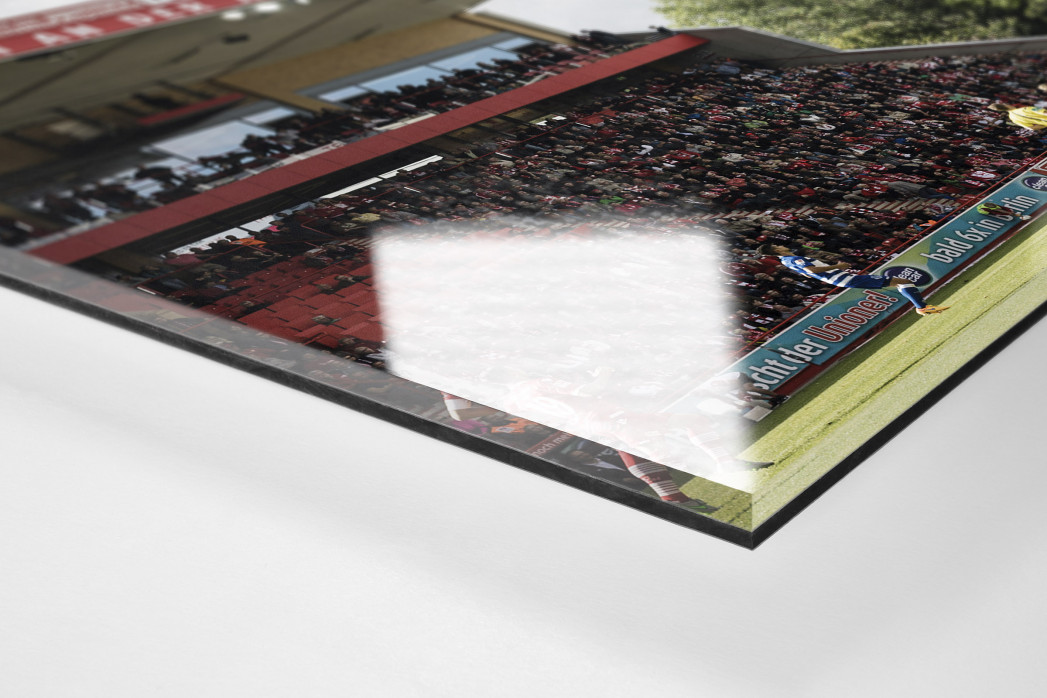 Alte Försterei Spielfeld und Tribünen als Direktdruck auf Alu-Dibond hinter Acrylglas (Detail)