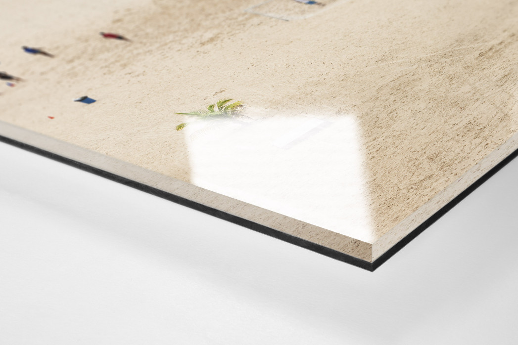 Kicken im Sand von Manaus als Direktdruck auf Alu-Dibond hinter Acrylglas (Detail)