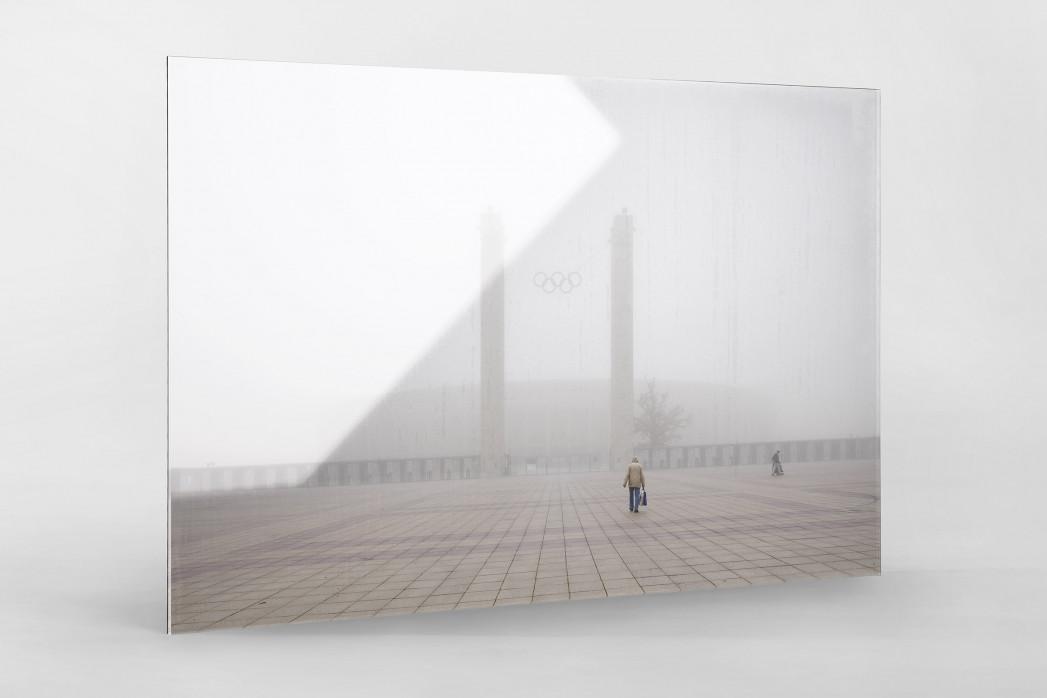 Nebel vor dem Olympiastadion als Direktdruck auf Alu-Dibond hinter Acrylglas
