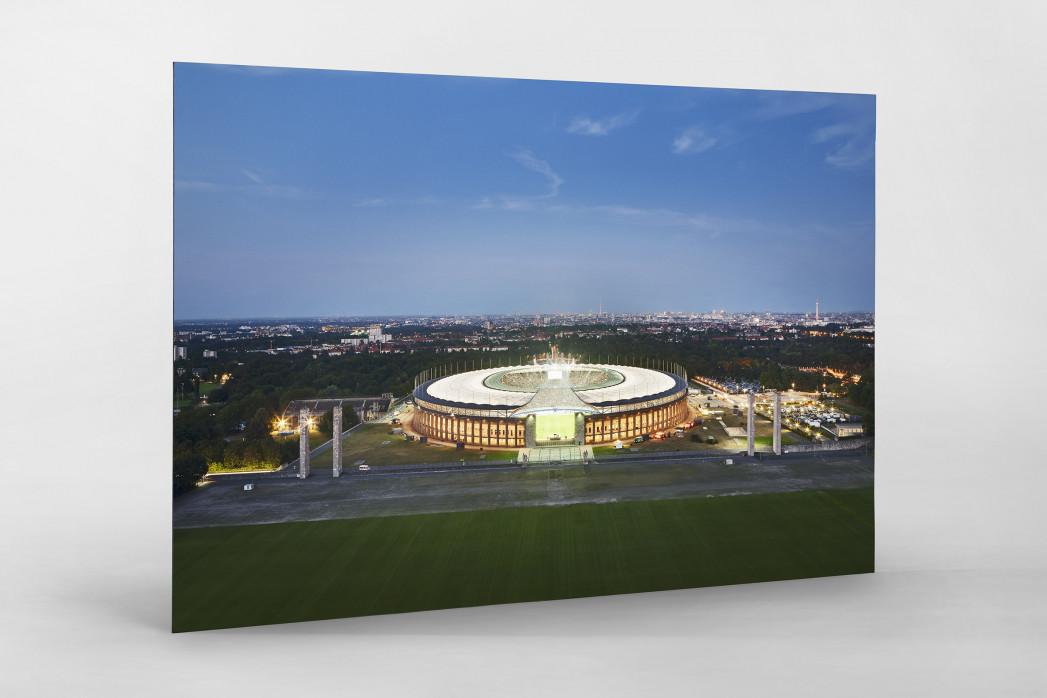 Olympiastadion und Berliner Skyline als auf Alu-Dibond kaschierter Fotoabzug