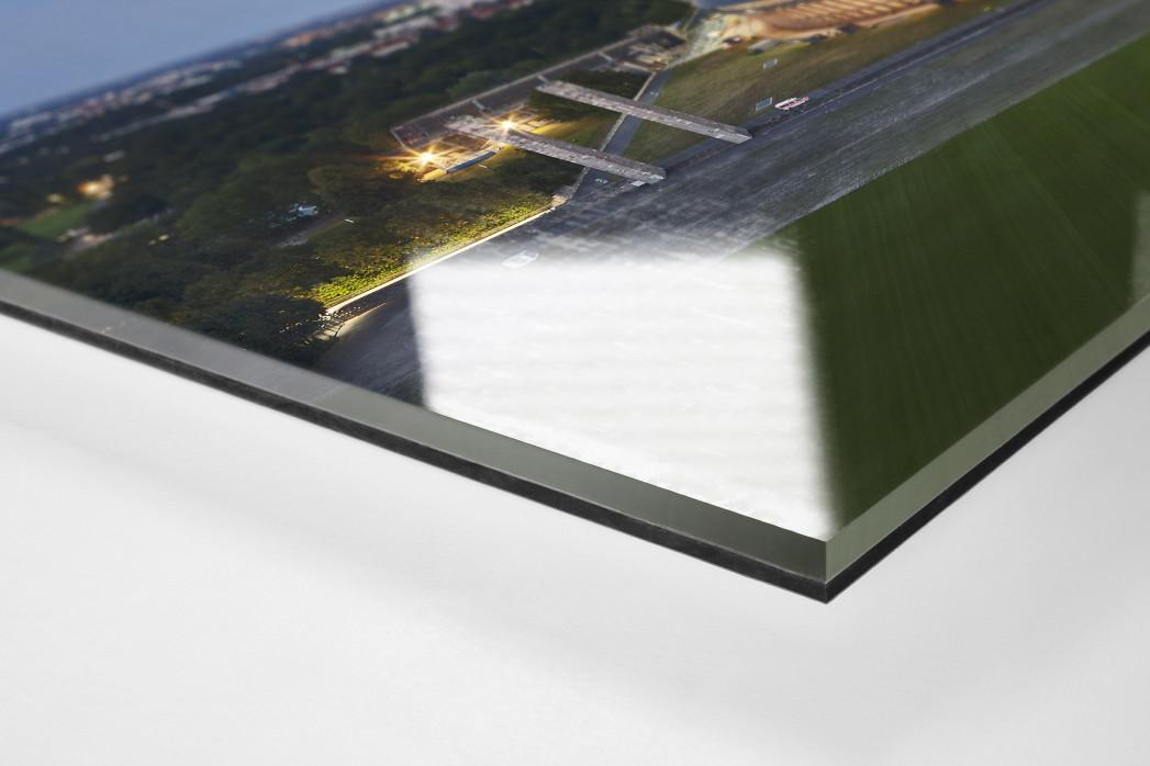 Olympiastadion und Berliner Skyline als Direktdruck auf Alu-Dibond hinter Acrylglas (Detail)