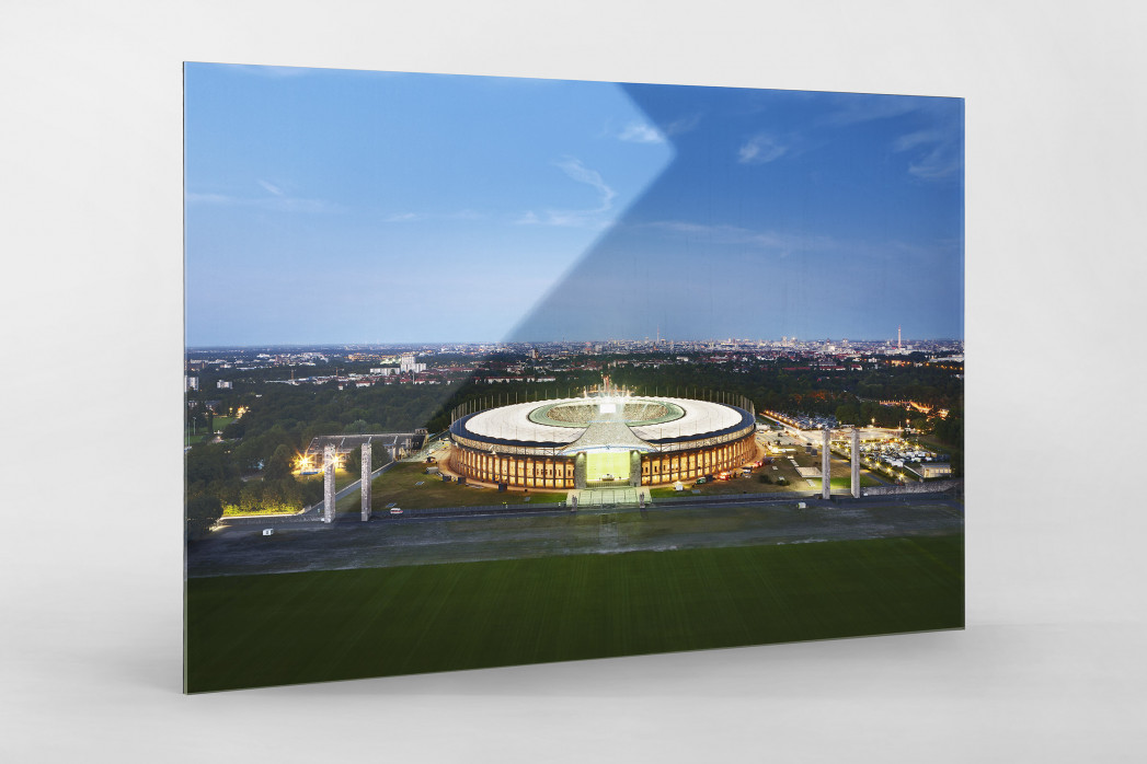 Olympiastadion und Berliner Skyline als Direktdruck auf Alu-Dibond hinter Acrylglas
