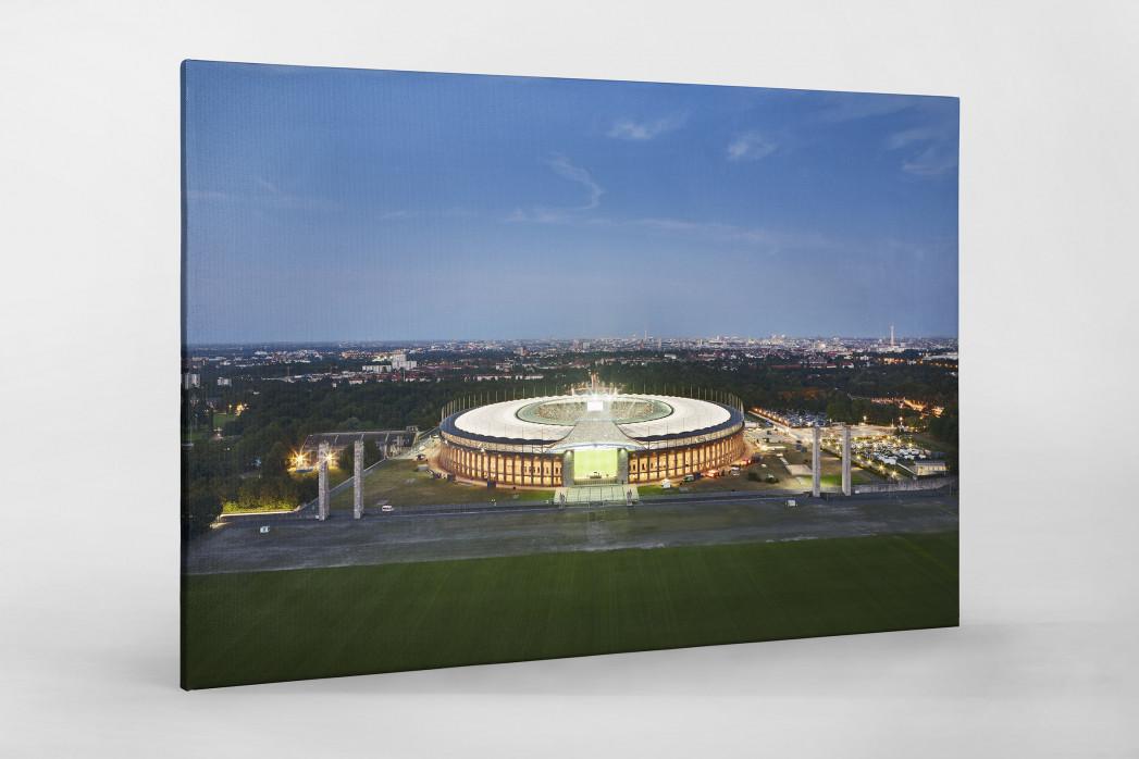 Olympiastadion und Berliner Skyline als Leinwand auf Keilrahmen gezogen