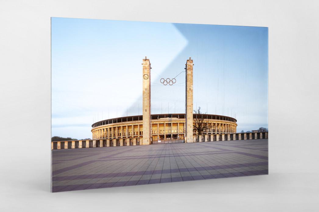 Vorplatz Olympiastadion als Direktdruck auf Alu-Dibond hinter Acrylglas