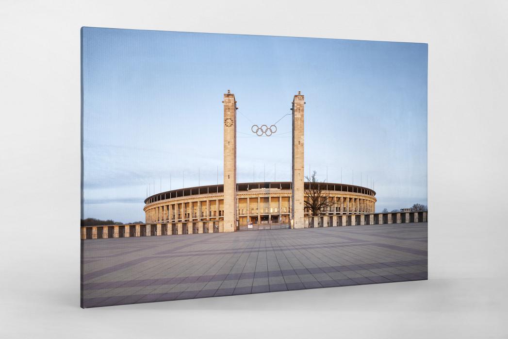 Vorplatz Olympiastadion als Leinwand auf Keilrahmen gezogen