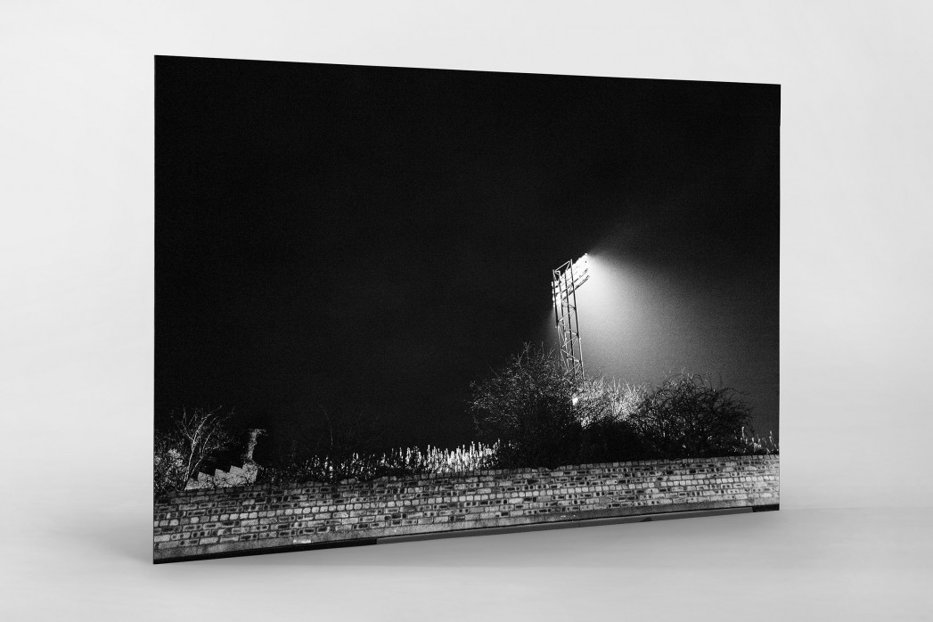 Flutlichtmast Cliftonhill Stadium als auf Alu-Dibond kaschierter Fotoabzug