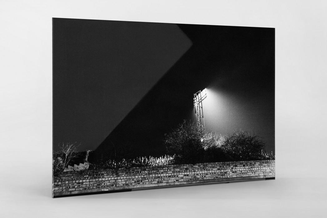 Flutlichtmast Cliftonhill Stadium als Direktdruck auf Alu-Dibond hinter Acrylglas