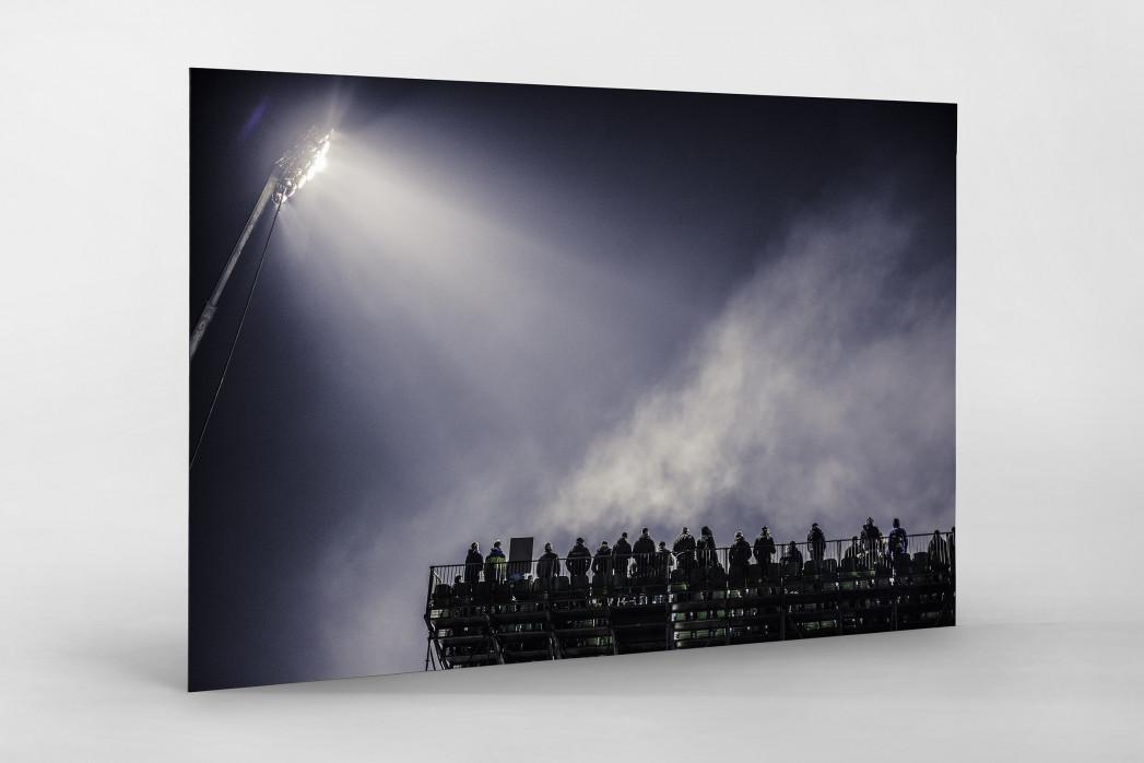 Zusatztribüne im Flutlicht als auf Alu-Dibond kaschierter Fotoabzug