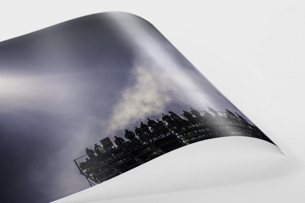 Zusatztribüne im Flutlicht als FineArt-Print