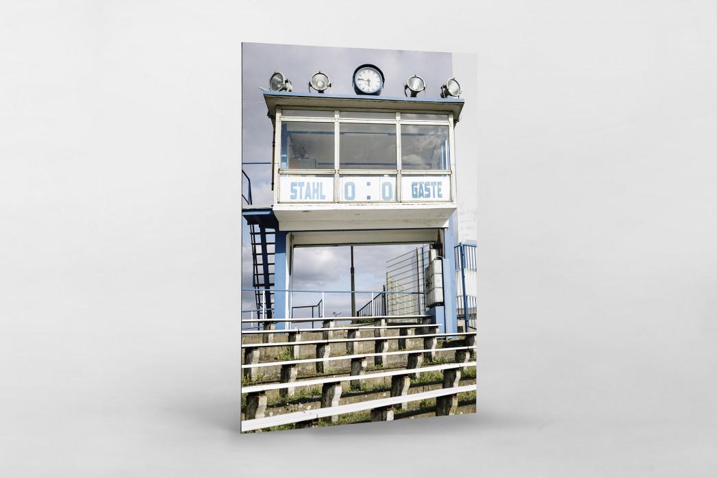 Anzeigetafel und Sprecherkabine bei Stahl Brandenburg als auf Alu-Dibond kaschierter Fotoabzug