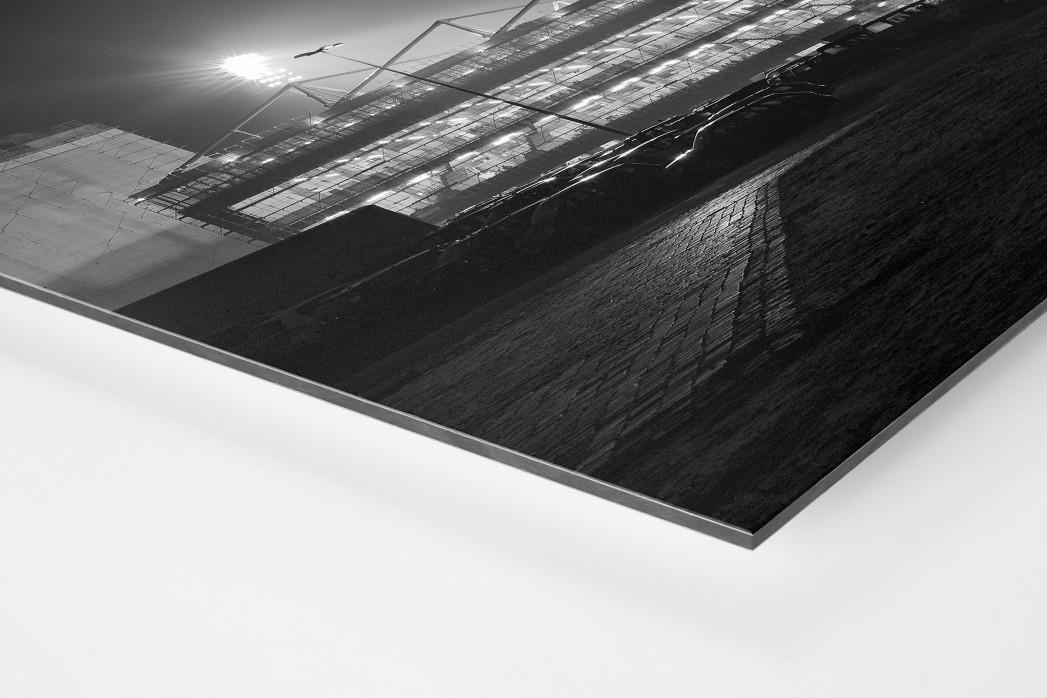 Millerntor bei Flutlicht (Schwarzweiß) als auf Alu-Dibond kaschierter Fotoabzug (Detail)