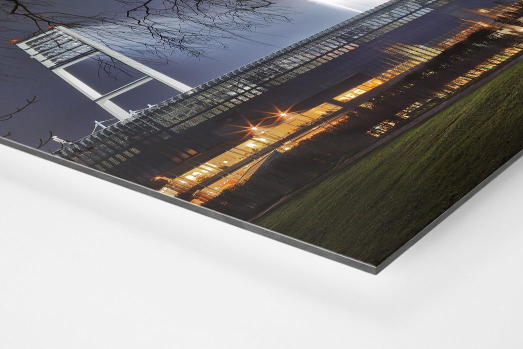 Weserstadion bei Flutlicht (Farbe-Querformat-2) als auf Alu-Dibond kaschierter Fotoabzug (Detail)