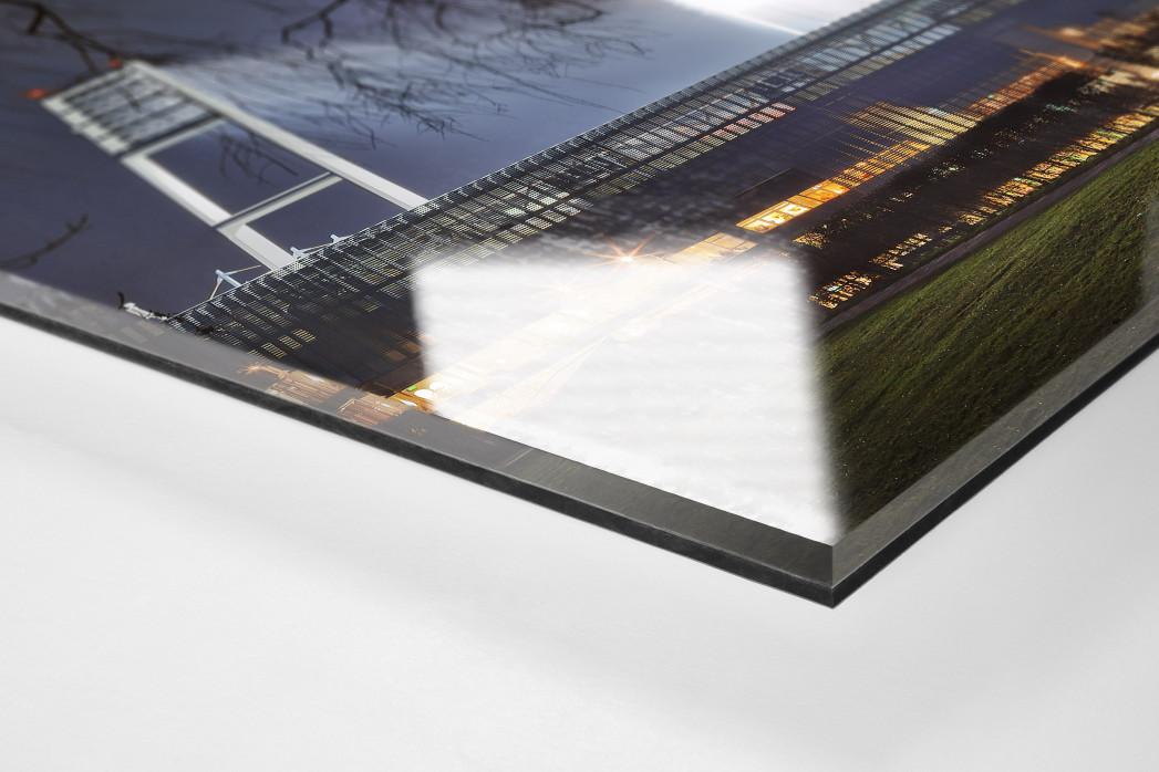 Weserstadion bei Flutlicht (Farbe-Querformat-2) als Direktdruck auf Alu-Dibond hinter Acrylglas (Detail)