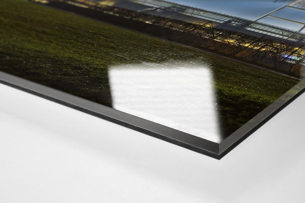 Weserstadion bei Flutlicht (Farbe-Hochformat) als Direktdruck auf Alu-Dibond hinter Acrylglas (Detail)