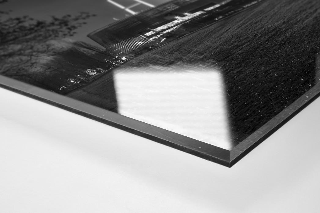 Weserstadion bei Flutlicht (Schwarzweiß-Querformat-2) als Direktdruck auf Alu-Dibond hinter Acrylglas (Detail)