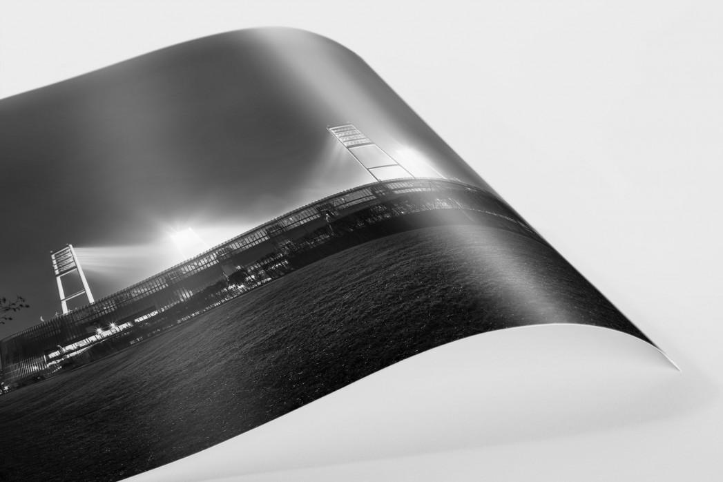 Weserstadion bei Flutlicht (Schwarzweiß-Querformat-2) als FineArt-Print
