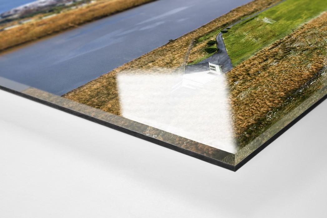 Fußballplatz im Glenveagh Nationalpark als Direktdruck auf Alu-Dibond hinter Acrylglas (Detail)