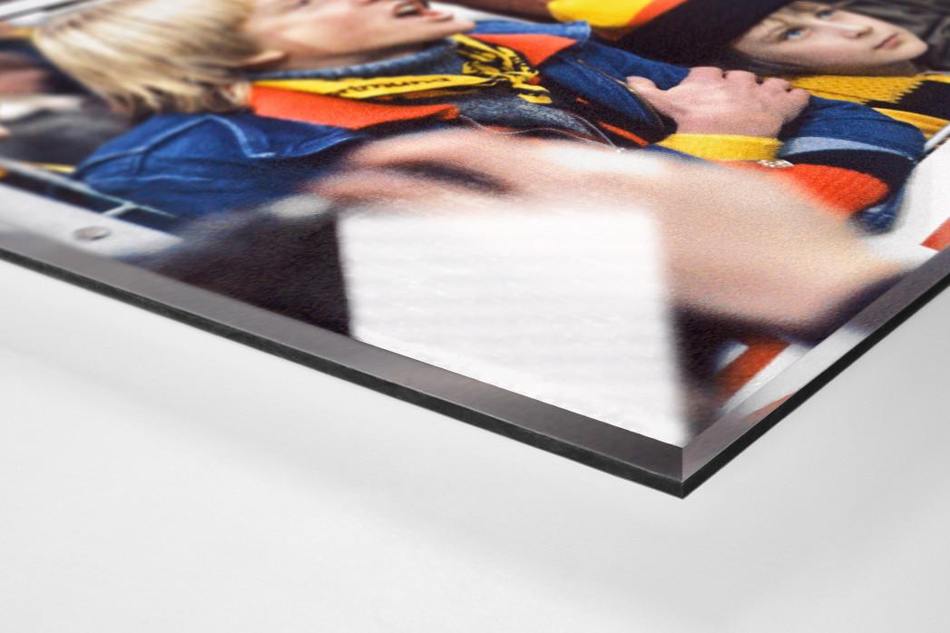 Junge BVB-Fans als Direktdruck auf Alu-Dibond hinter Acrylglas (Detail)