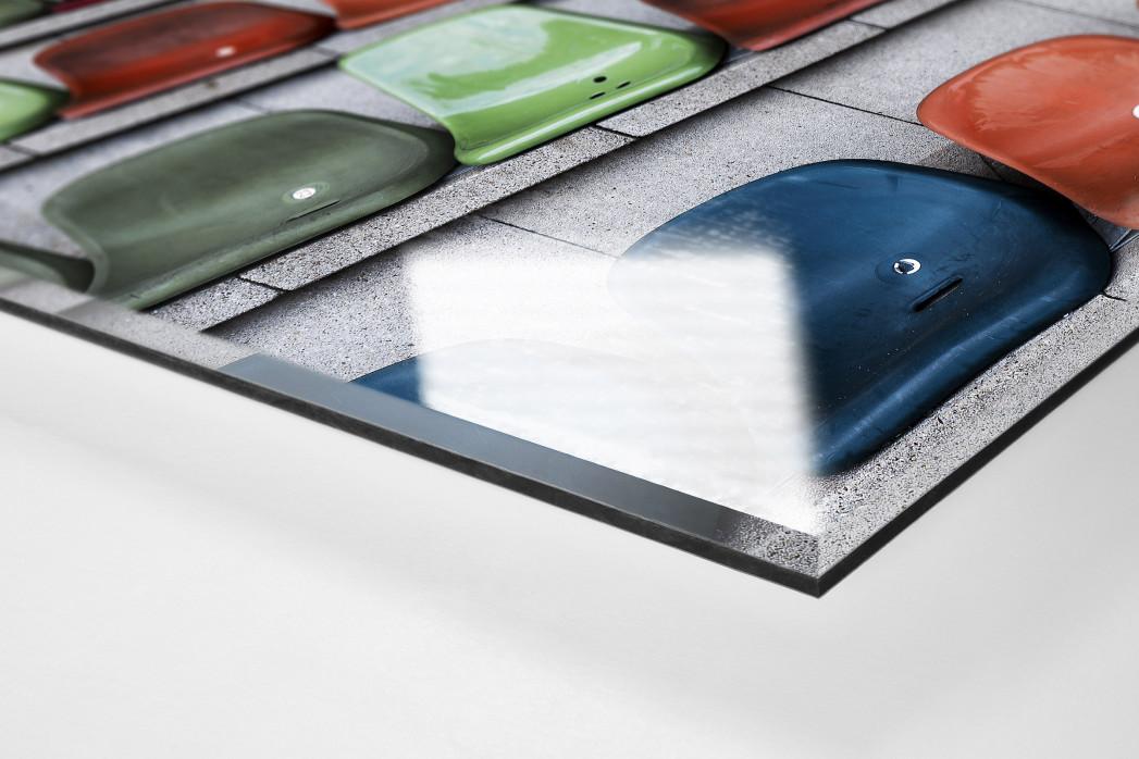Schalensitze im Niederrheinstadion als Direktdruck auf Alu-Dibond hinter Acrylglas (Detail)