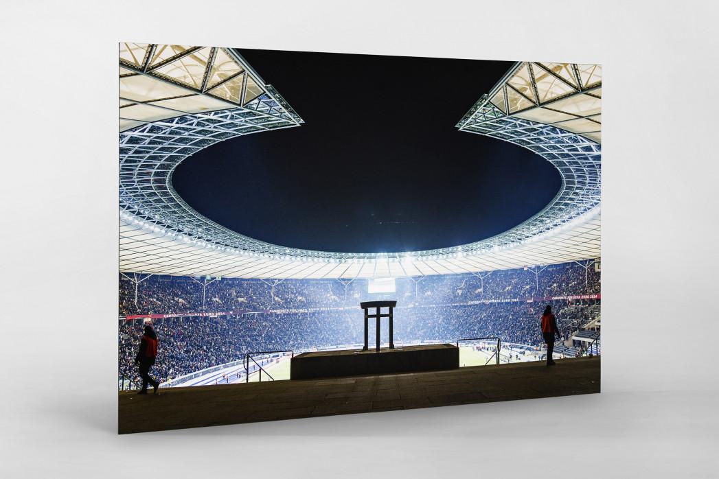 Licht an im Berliner Olympiastadion als auf Alu-Dibond kaschierter Fotoabzug