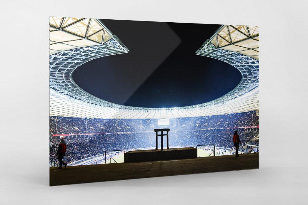Licht an im Berliner Olympiastadion als Direktdruck auf Alu-Dibond hinter Acrylglas