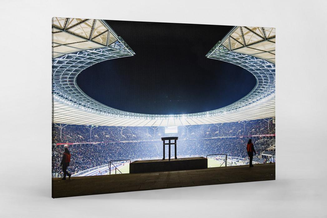 Licht an im Berliner Olympiastadion als Leinwand auf Keilrahmen gezogen