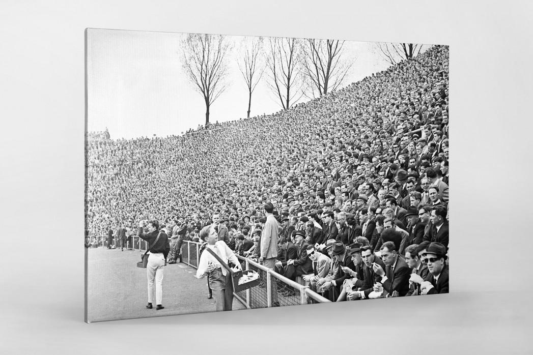 Zuschauer 1965 als Leinwand auf Keilrahmen gezogen