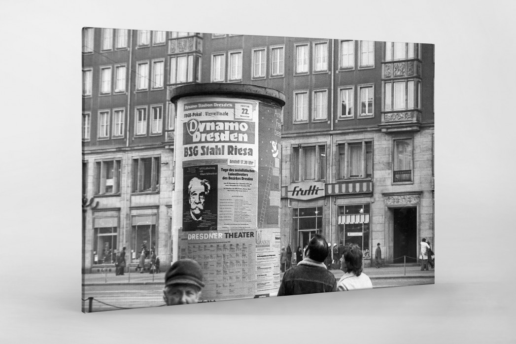 Litfaßsäule in Dresden als Leinwand auf Keilrahmen gezogen