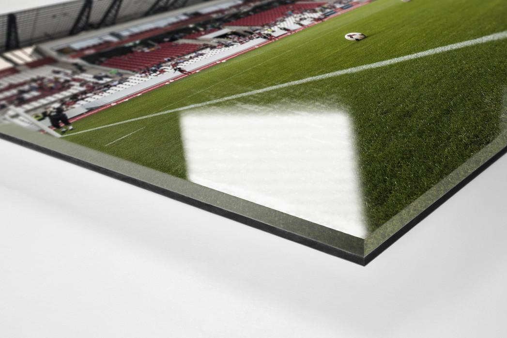 Eckfahne Stadion Essen als Direktdruck auf Alu-Dibond hinter Acrylglas (Detail)