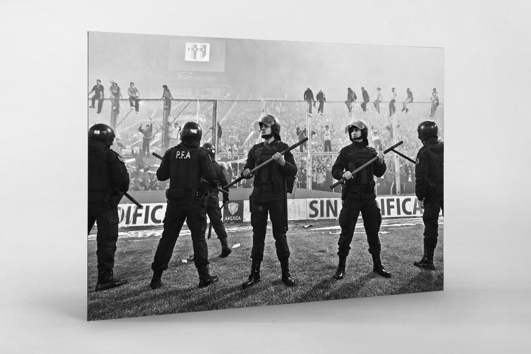 Polizeieinsatz als auf Alu-Dibond kaschierter Fotoabzug