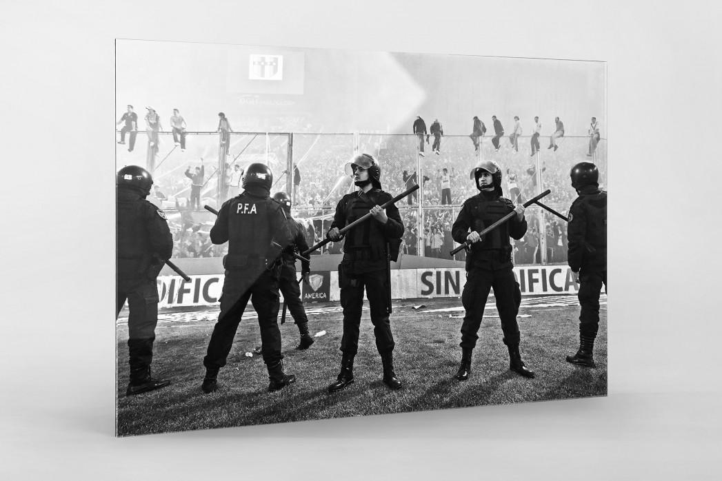 Polizeieinsatz als Direktdruck auf Alu-Dibond hinter Acrylglas