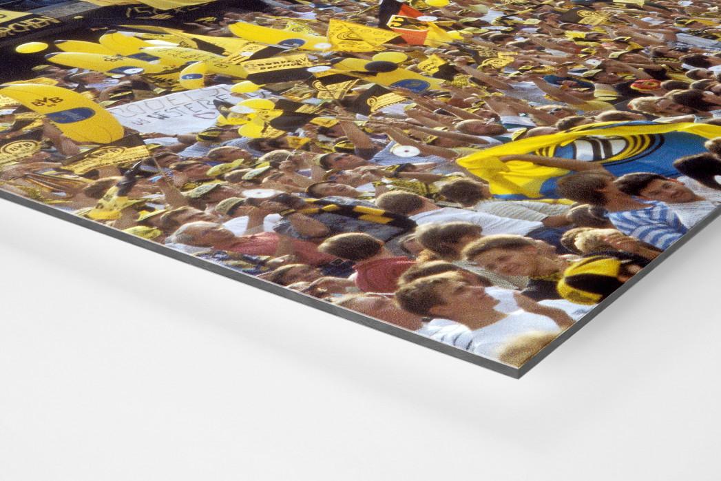 BVB Fans in Berlin als auf Alu-Dibond kaschierter Fotoabzug (Detail)