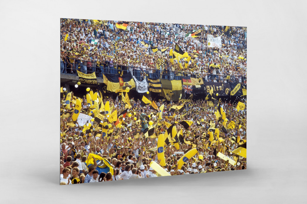 BVB Fans in Berlin als auf Alu-Dibond kaschierter Fotoabzug