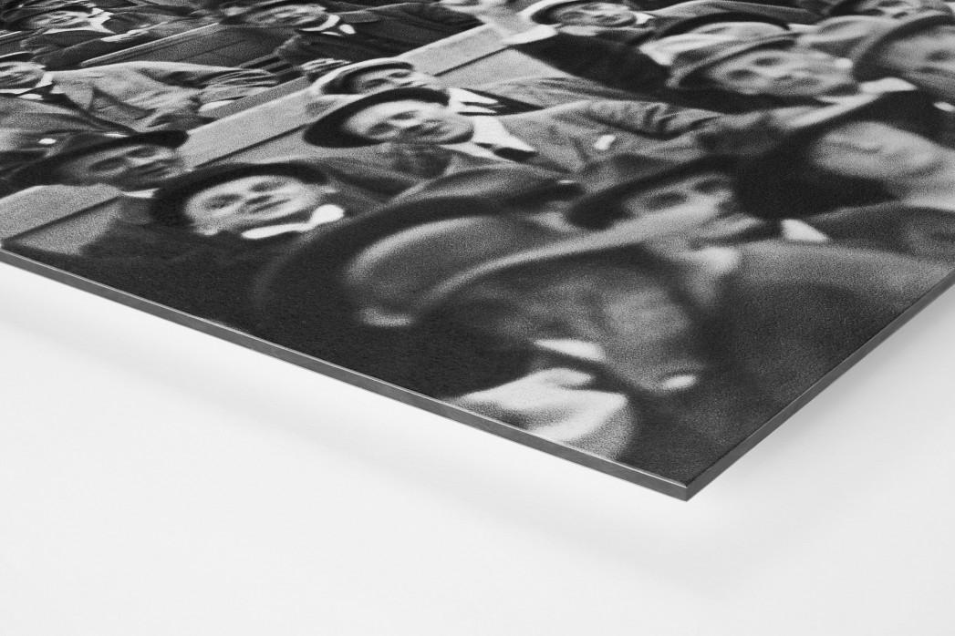 Zuschauer 1923 als auf Alu-Dibond kaschierter Fotoabzug (Detail)