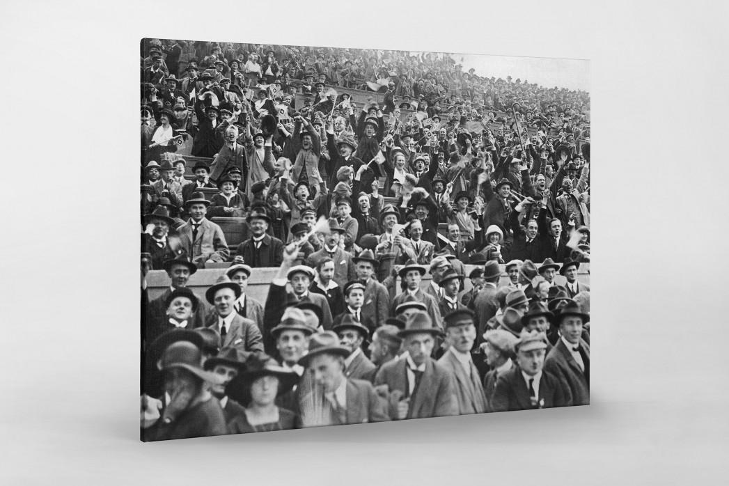 Zuschauer 1923 als Leinwand auf Keilrahmen gezogen