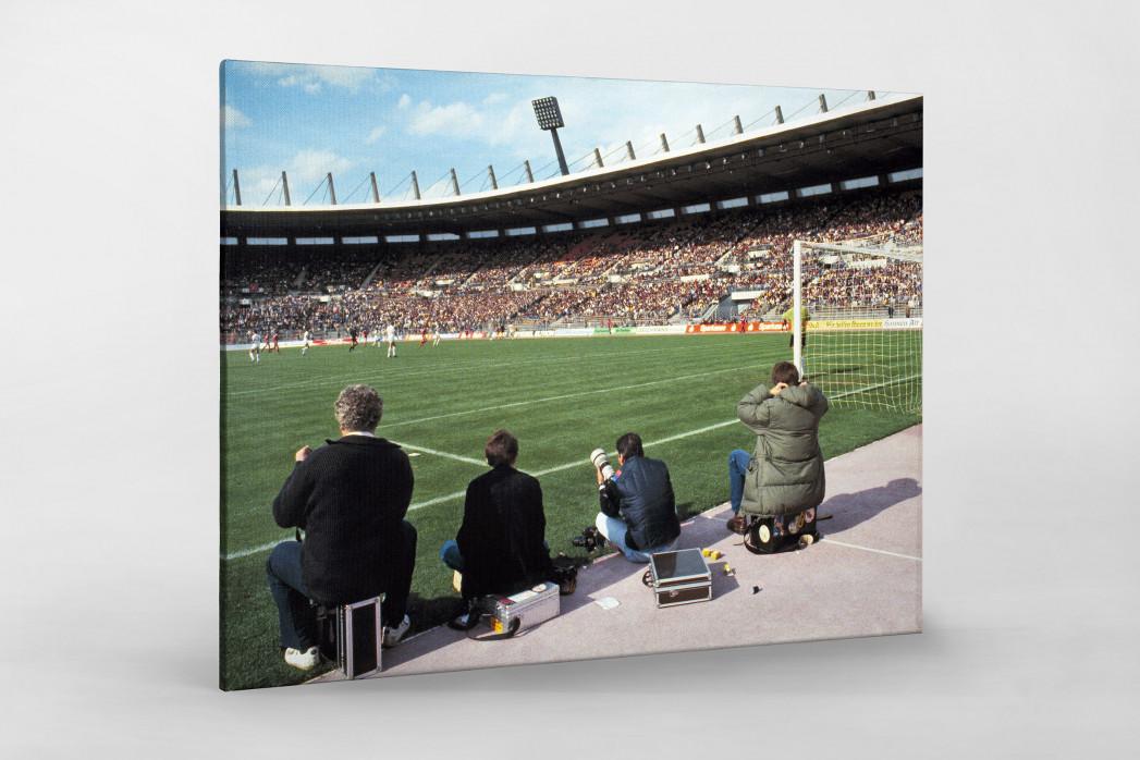 Im Rheinstadion 1983 als Leinwand auf Keilrahmen gezogen