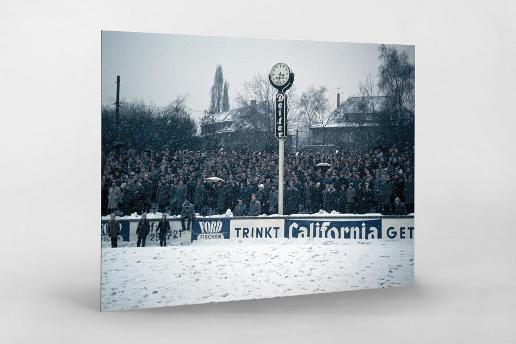 Schnee im Stadion am Uhlenkrug als auf Alu-Dibond kaschierter Fotoabzug