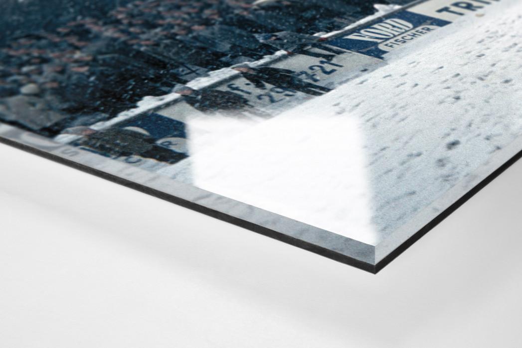 Schnee im Stadion am Uhlenkrug als Direktdruck auf Alu-Dibond hinter Acrylglas (Detail)