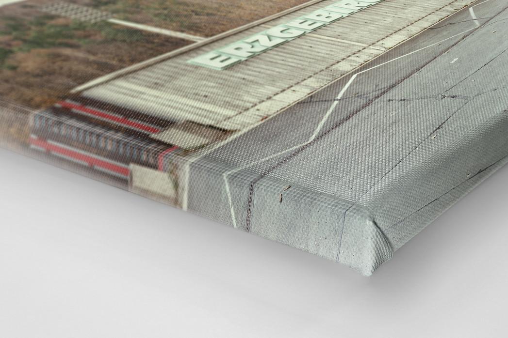 Witness Of Glory Times: Aue als Leinwand auf Keilrahmen gezogen (Detail)